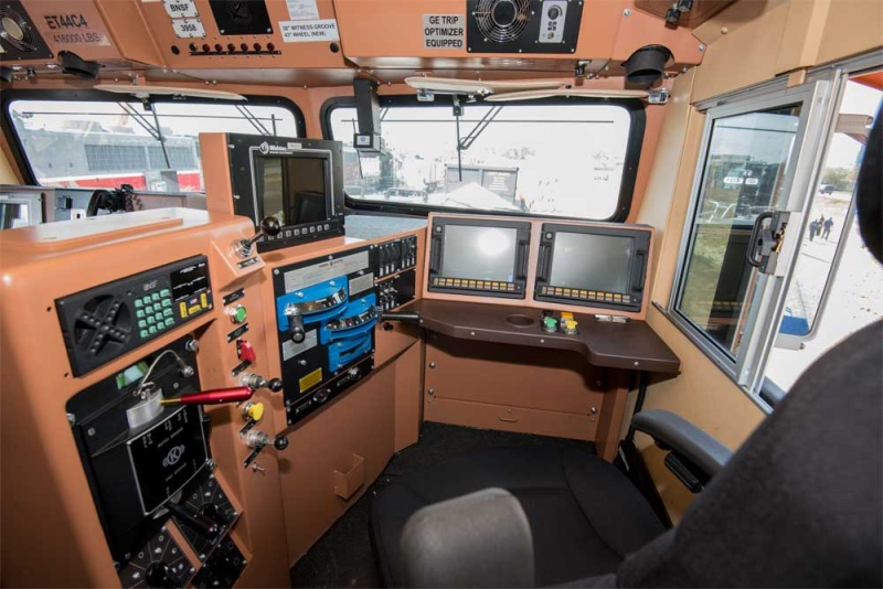 Interior-of-T4-GE-Locomotive